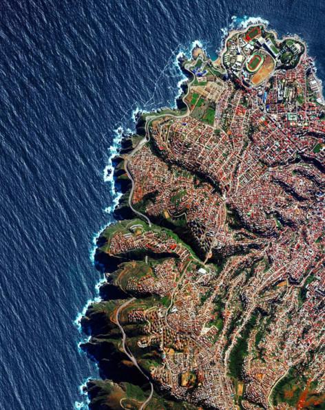 20 impressionantes imagens de satélite publicadas pelo Daily Overview, Playa Ancha, Valparaíso. Imagen © Daily Overview (vía Instagram)