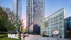 Vanke Plaza Fuzhou - Living High in the Park / John Curran Architects