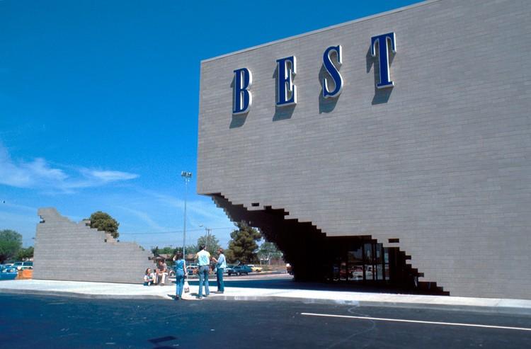 Tòa nhà sản phẩm tốt nhất (1977).  Hình ảnh © TRANG WEB