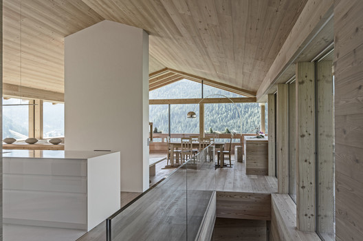 Family House / Perathoner Architects