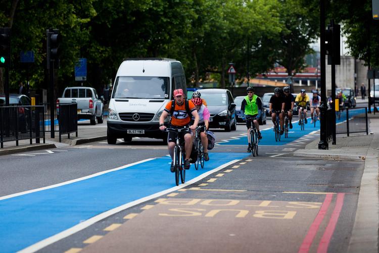 Ir ao trabalho de bicicleta é 40% menos estressante segundo pesquisa britânica, © Federación Europea de Ciclismo, via Flickr