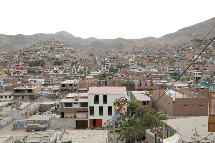 """Construyendo comunidad a partir de un barrio cultural: Centro Cultural Luis Berger y Proyecto """"Quijote para la vida"""", Vista aérea diurna. Image Cortesía de Proyecto 'Quijote para la vida'"""
