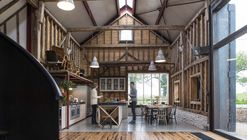 The Ancient Party Barn / Liddicoat & Goldhill