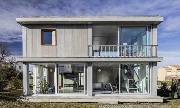 Casa 1217 h arquitectes archdaily for Arquitectes girona