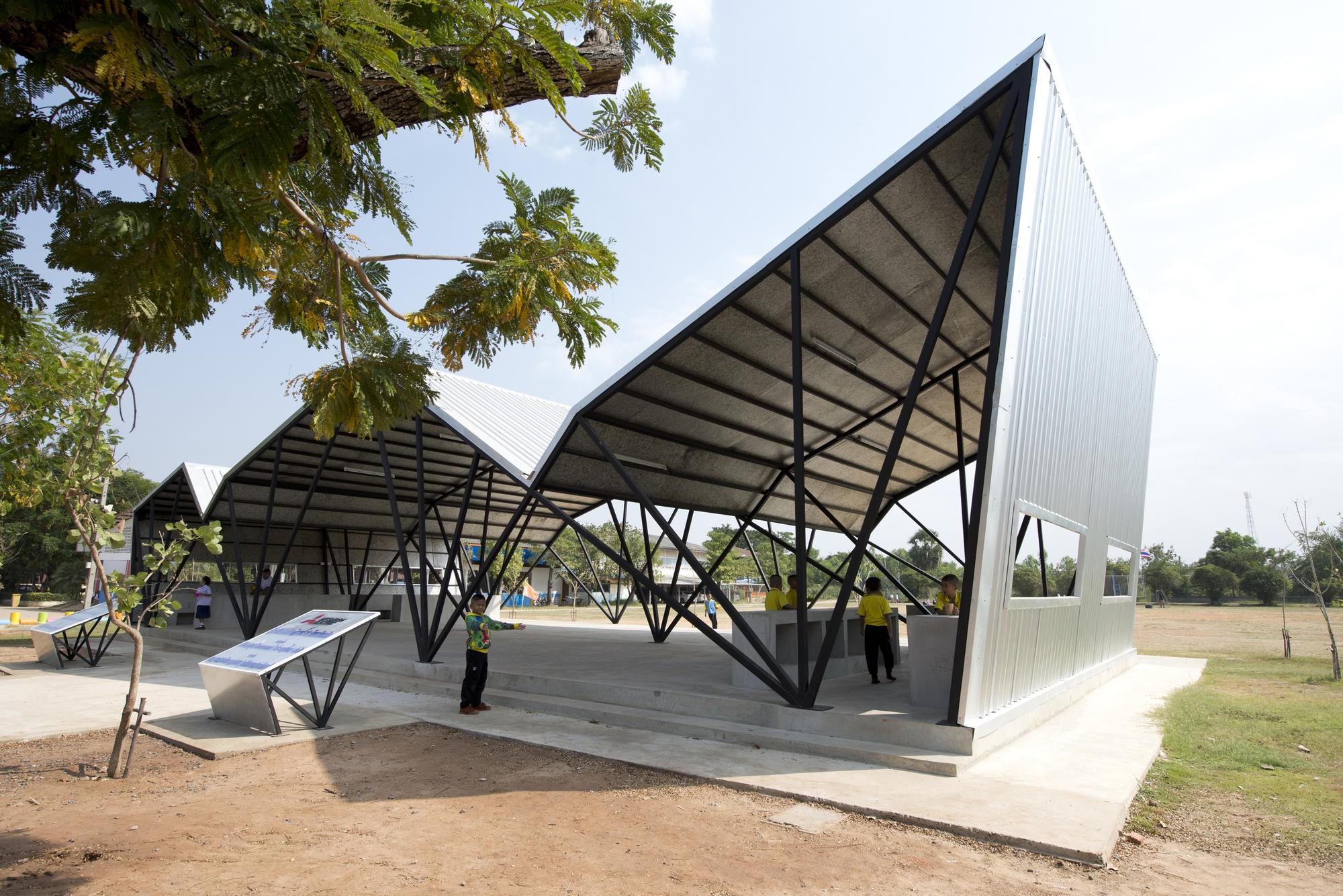 Chonnabot community school canteen inda design build for Proyecto de comedor comunitario