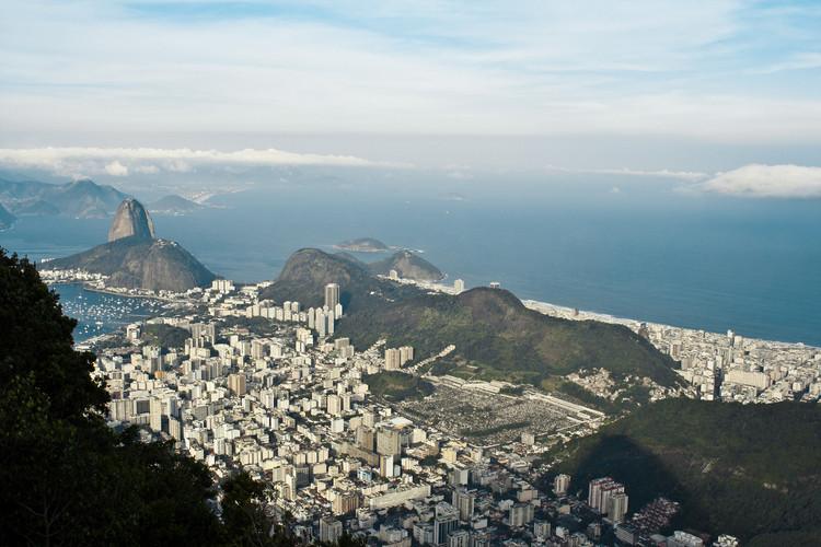 São Paulo, Belo Horizonte e Rio de Janeiro concorrem pelo título de cidade mais sustentável do Brasil e do mundo, Rio de Janeiro, uma das rês finalistas brasileiras para o concurso da WWF. Image © Marcelo Druck, via Flickr. CC