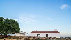 Monte da Azarujinha / Aboim Inglez Arquitectos