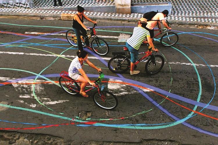 Arte para uma cidade sensível / Brígida Campbell, CicloCor, Grupo Acidum, 2011. Foto de Jarbas Oliveira.. Image Cortesia de Brígida Campbell