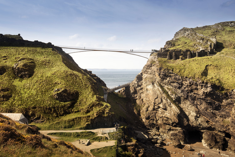 Tintagel Castle Bridge Competition Won by Ney & Partners and William Matthews Associates, Proposal: Ney & Partners Civil Engineers with William Matthews Associates, Ettwein Bridges, Waagner Biro, Ramboll and Jackson Coles LLP.. Image © MRC/Emily Whitfield-Wicks