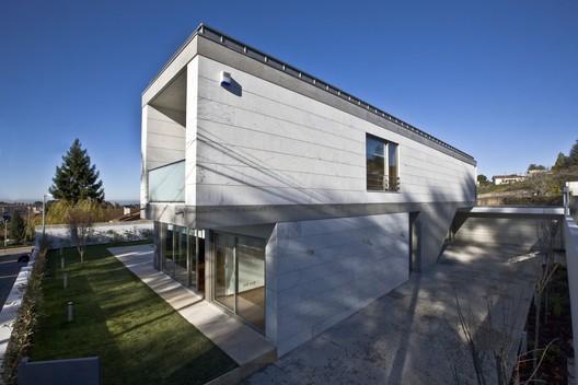A r house atelier d 39 arquitectura j a lopes da costa - Atelier arquitectura ...