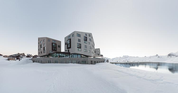 Frutt Family Lodge  / Philip Loskant Architekt, © Ulrich Stockhaus