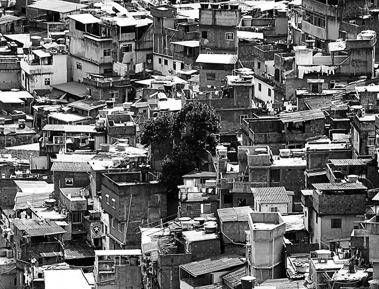 Observatório das Metrópoles disponibiliza 70 livros para download gratuito, Favela da Rocinha, Rio de Janeiro. Image © Fabio Venni, via Flickr. CC