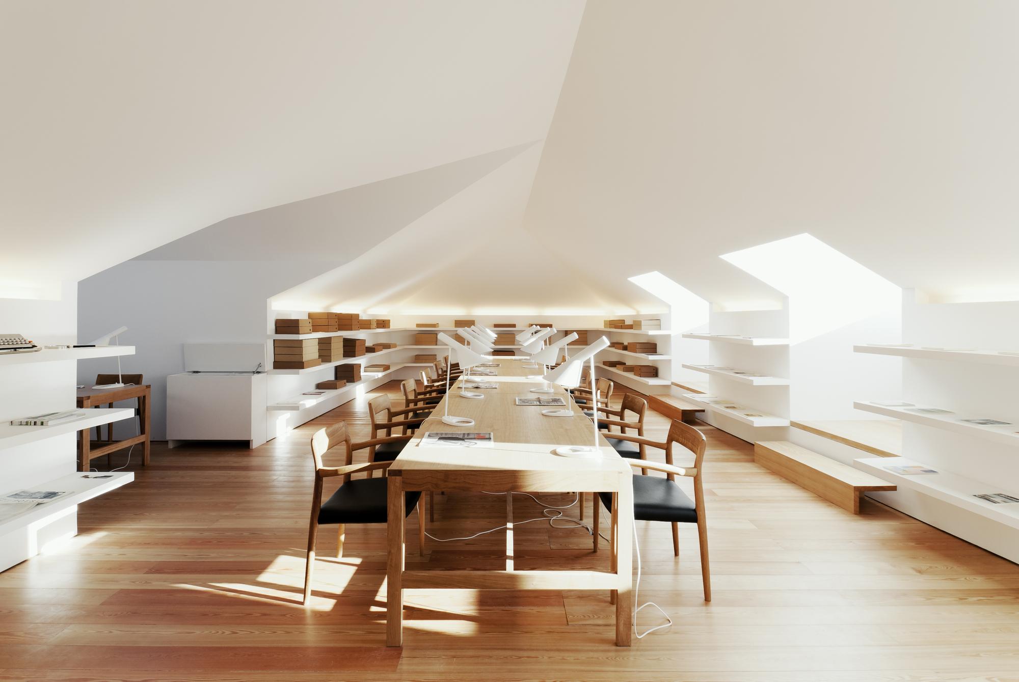 Casa da escrita jo o mendes ribeiro cristina guedes for Ecole architecture interieur