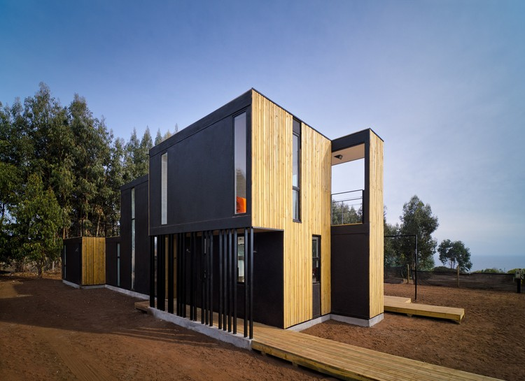Casa en panel sip alejandro soffia gabriel rudolphy for Building a house with sip panels