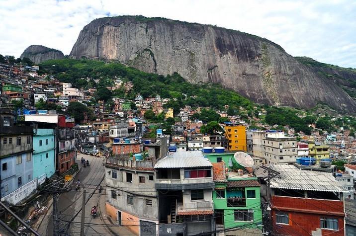 ONU-Habitat publica versão em português das diretrizes internacionais de planejamento urbano, Proliferação das favelas e limitação do acesso a serviços básicos são apontados pelo ONU-Habitat como consequências do planejamento urbano inadequado. Foto: EBC / Chensiyuan / CreativeCommons