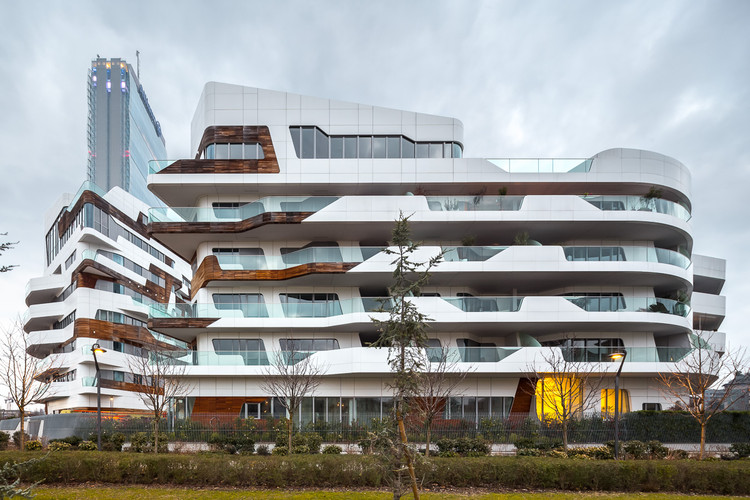 Citylife Apartments / Zaha Hadid Architects | ArchDaily