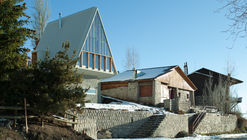 La Leonera Mountain Retreat / DRAA