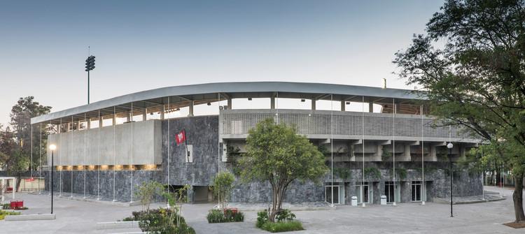 Estadio Fray Nano / ADG, © Camila Cossío