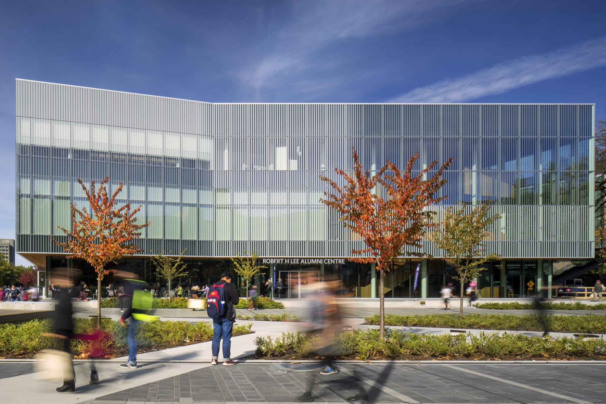 Robert H. Lee Alumni Centre / Hughes Condon Marler Architects + KPMB Architects