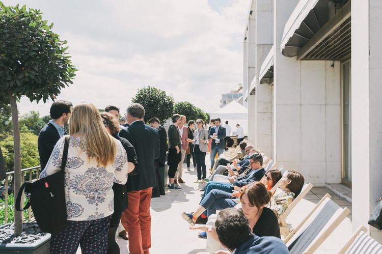 "Monocle's 2016 Conference in Vienna to Debate ""Quality of Life"" and Urban Livability, Coffee on the terrace of the Four Seasons Ritz Hotel, Lisbon (2015). Image © Rodrigo Cardoso"