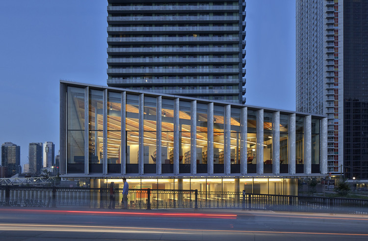 Biblioteca Fort York / KPMB Architects, © James Brittain