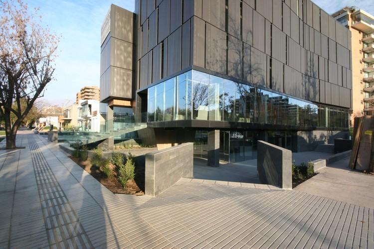 Edificio El Coihue / Estudio Larrain, Cortesía de Estudio Larrain