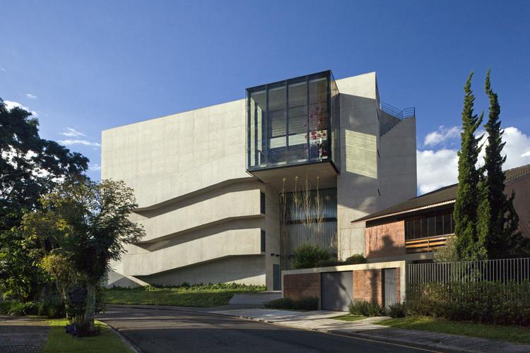 RB House / Marcos Bertoldi Arquitetos, © Alan Weintraub