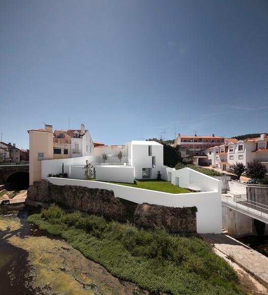 House in Alcobaça / Aires Mateus, © Fernando Guerra |  FG+SG