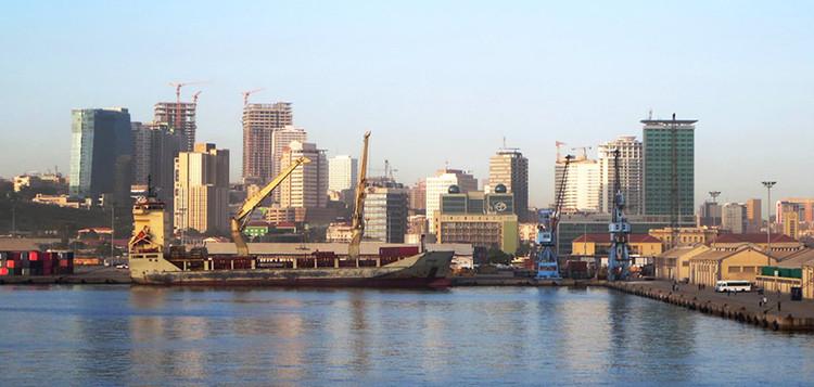 CAU/BR assina acordo com a Ordem dos Arquitectos de Angola, Luanda, Angola. Image © David Stanley, via Flickr. CC