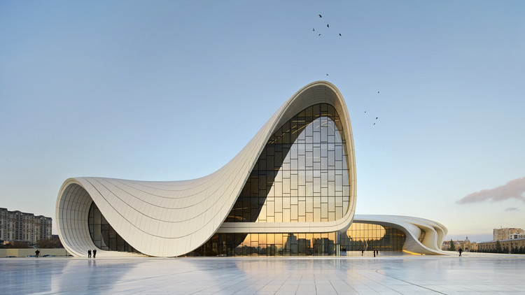 Monocle 24 Explores Women in Architecture, Heydar Aliyev Center / Zaha Hadid Architects. Image © Hufton + Crow