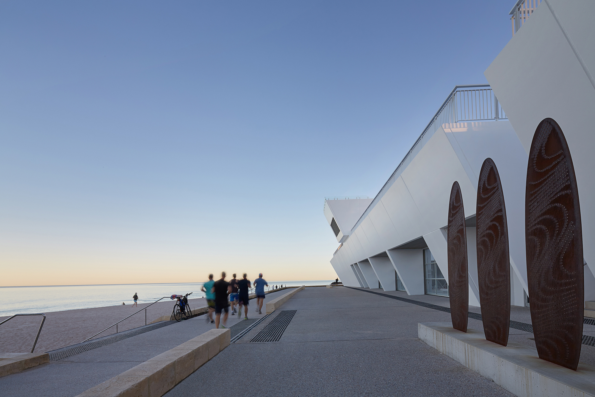 City beach surf club christou design group archdaily for Beach architecture design