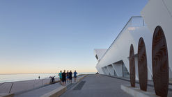 City Beach Surf Club  / Christou Design Group