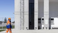 Edificio Administrativo Portuario / A3 Luppi Ugalde Winter