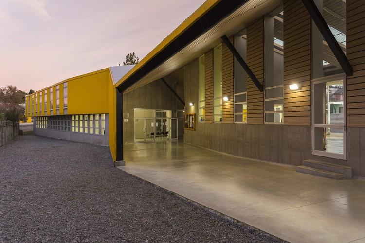 Edificio Escuela Manuel Anabalón Saez / Gubbins Arquitectos, © Marcos Mendizabal