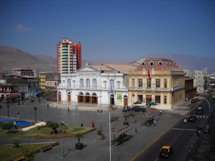 Estudiantes peruanos desarrollan propuesta para el tradicional barrio El Morro en Iquique, Chile , © Wikipedia User: Mircalla22, licensed under CC BY-SA 3.0