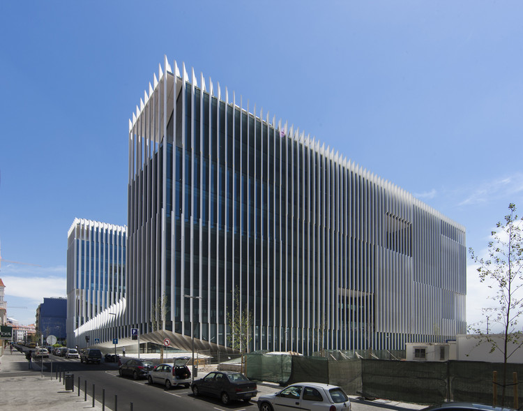 Edp headquarters aires mateus archdaily for Arquitectura japonesa moderna