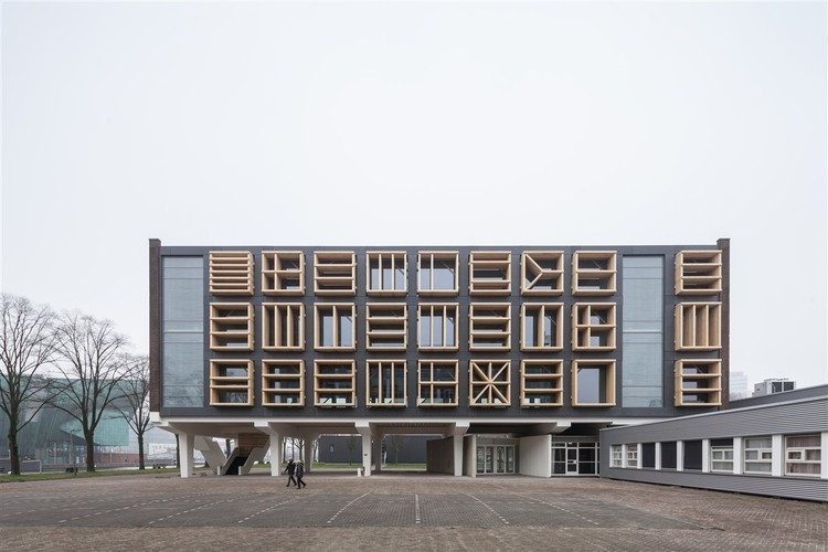 Marine Base Amsterdam Building 27E / bureau SLA, © Milad Pallesh