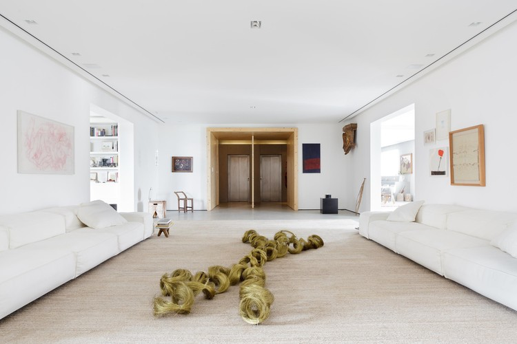Apartamento da colecionadora / Consuelo Jorge Arquitetos, © Fran Parente