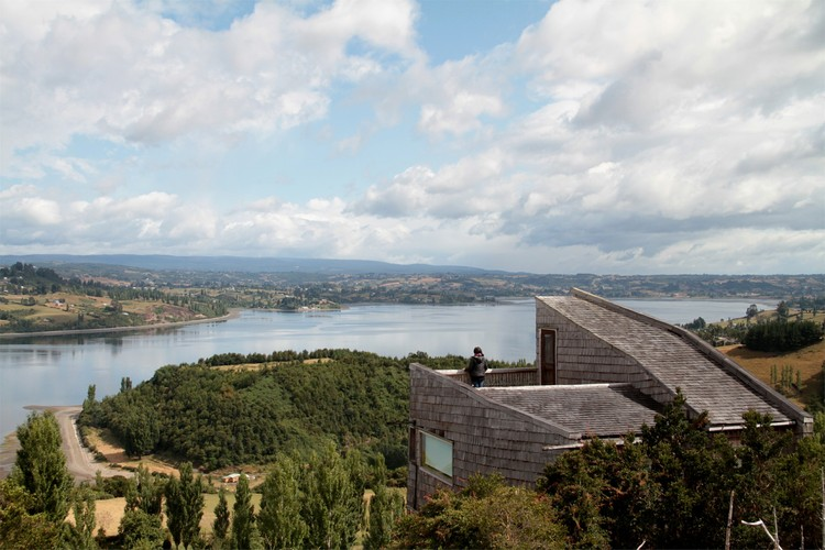 Chiloe Leisure Center / Jonas Retamal + Laura Houssin, © Pablo Casals-Aguirre