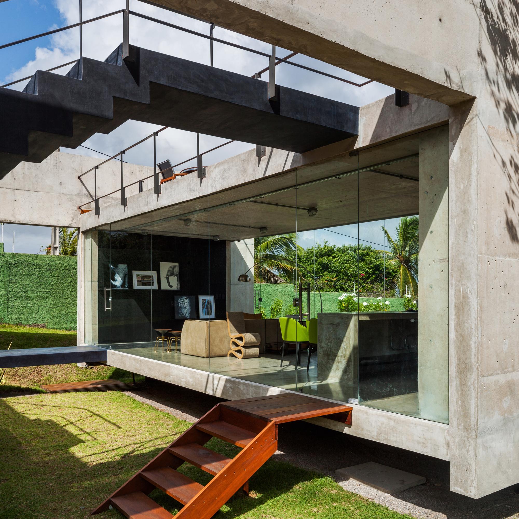 Galeria de casa das duas vigas yuri vital 5 for Casa moderna hormigon