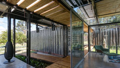 Casa RDP  / Daniel Moreno Flores + Sebastian Calero