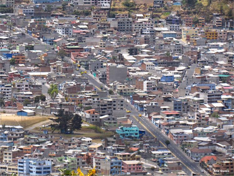 Colegio de Arquitectos del Ecuador se refiere al terremoto y a la urgencia de generar vínculos con la comunidad, vía Flickr. Autor: Ana Guzzo. Licensed under CC BY-NC 2.0