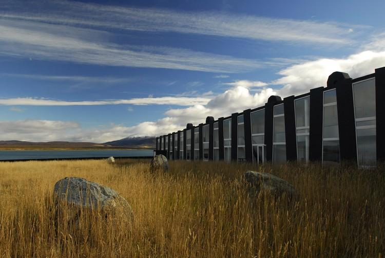Hotel Remota en Patagonia / Germán del Sol, © Guy Wenborne