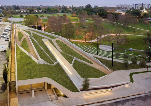 Museu do Holocausto em Los Angeles / Belzberg Architects