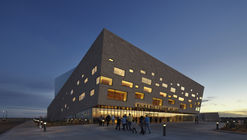 Wagner Noël Performing Arts Center / Bora Architects + Rhotenberry Wellen Architects