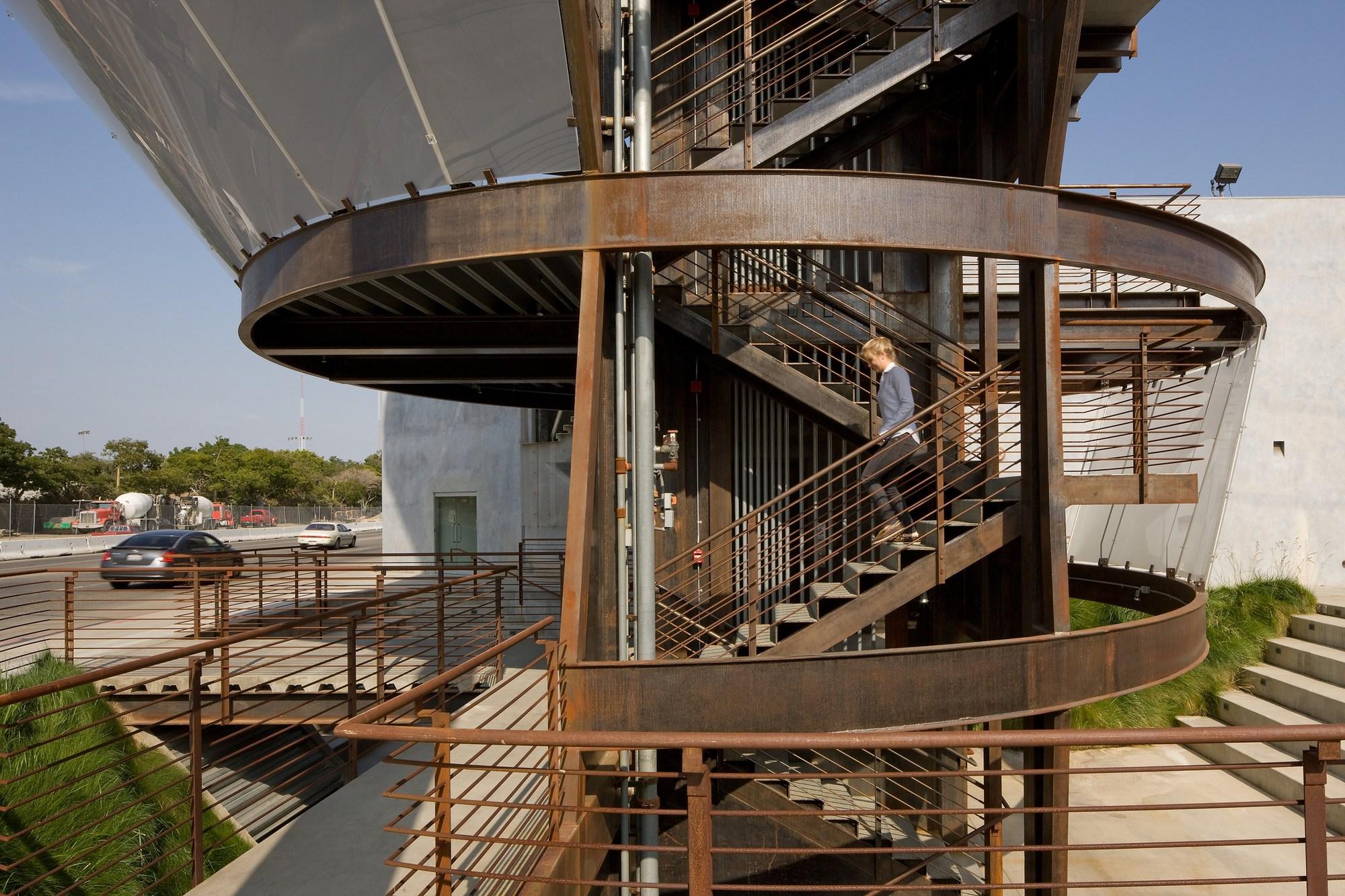 Samitaur Tower Eric Owen Moss Architects Archdaily