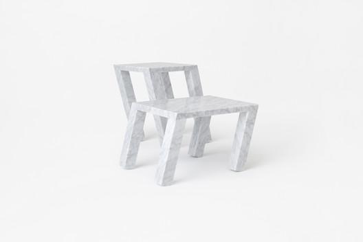 Sway Table / Nendo. Image Courtesy of Nendo