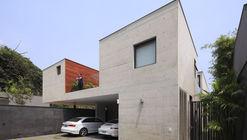 Casa Sustraída / Seinfeld Arquitectos