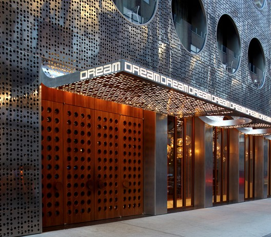 Dream Downtown Hotel / Handel Architects
