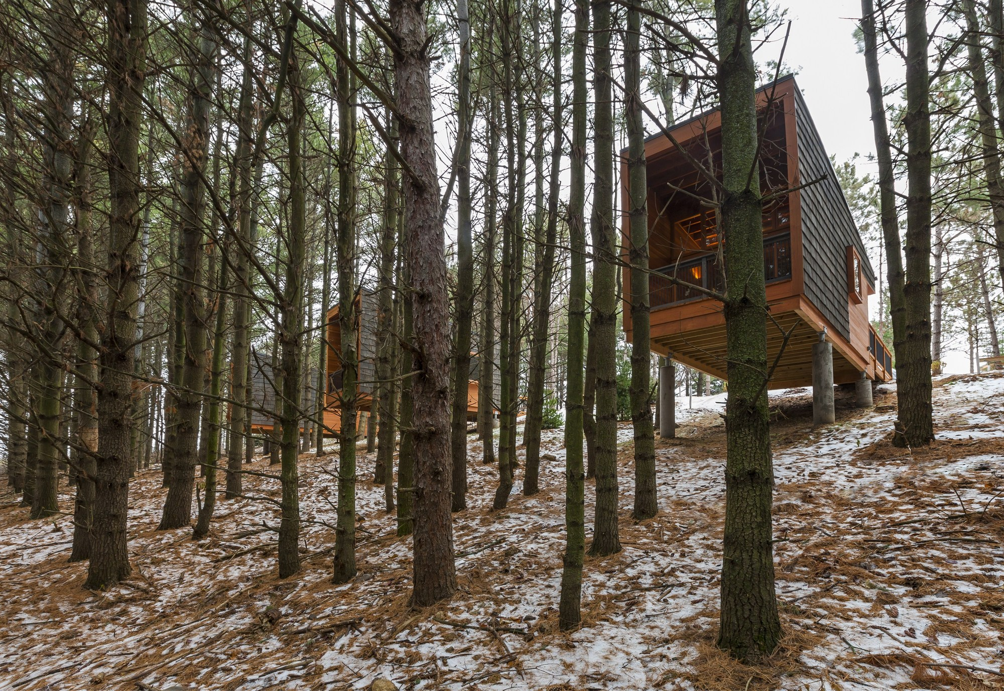 Whitetail Woods Regional Park Camper Cabins / HGA Architects and Engineers